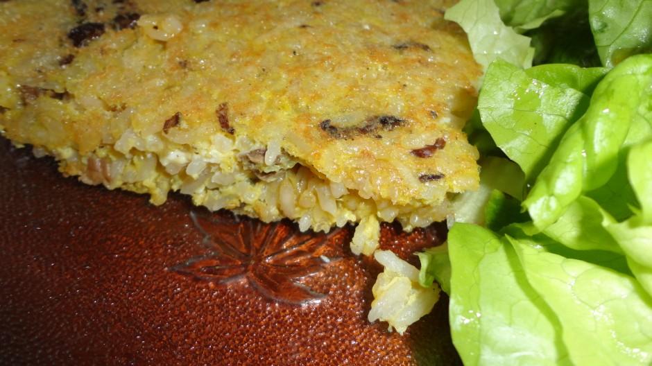 omelette au riz et chanterelles