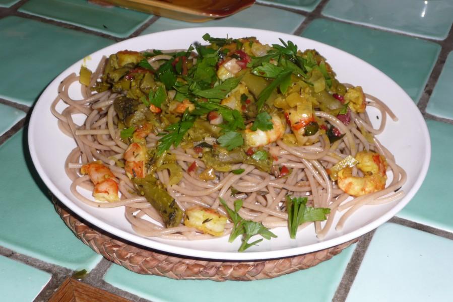 Spaghettis aux asperges et aux crevettes