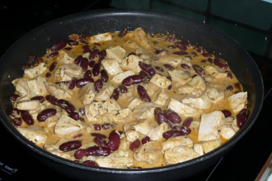 Poulet aux haricots rouges, sauce tandoori
