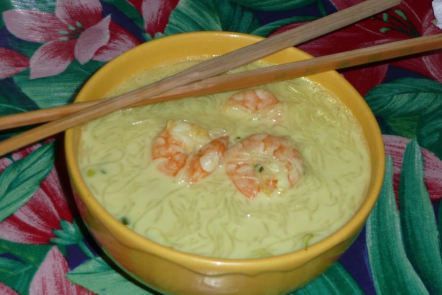 Soupe de crevettes au lait de coco