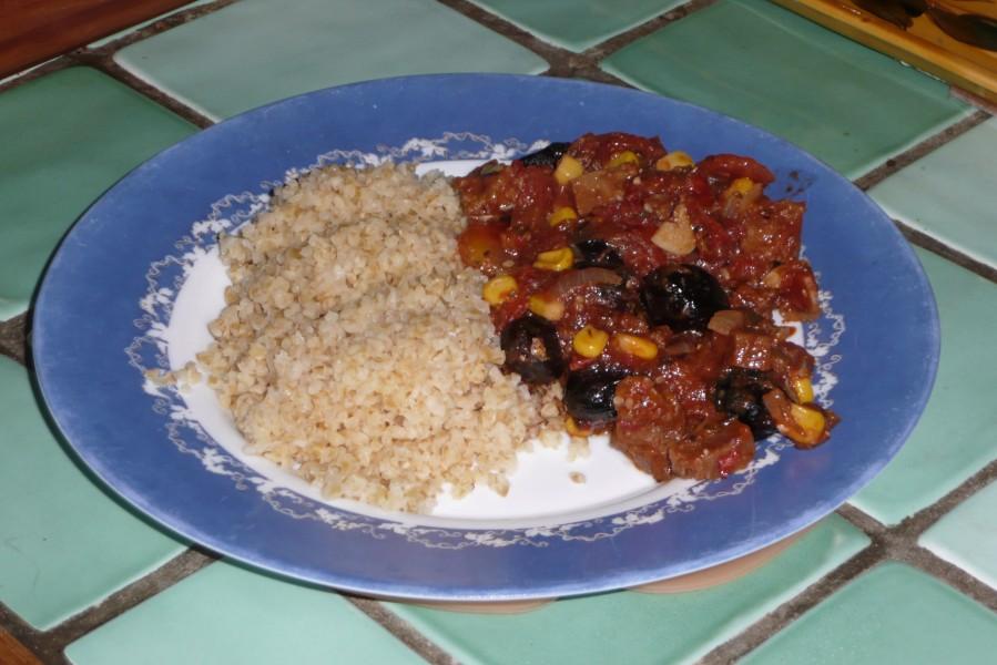 Seitan à la tomate et aux olives