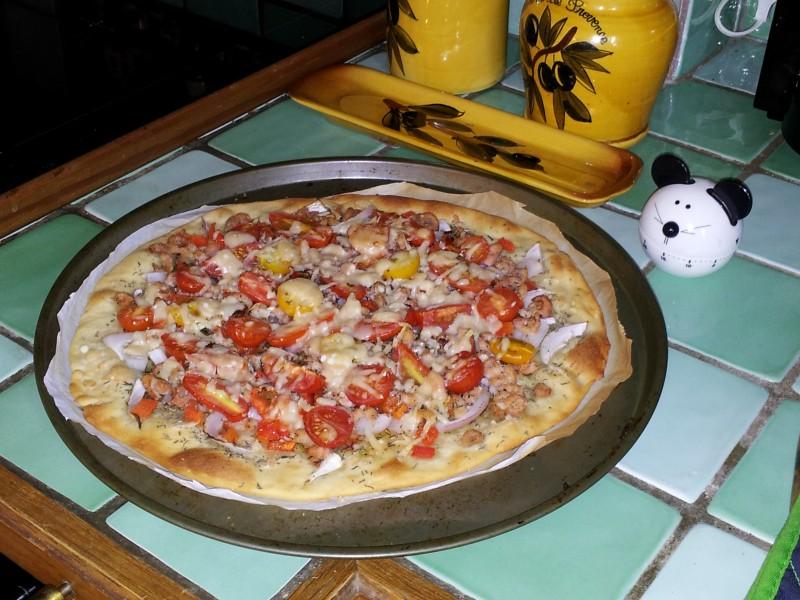 Pizza aux crevettes grises