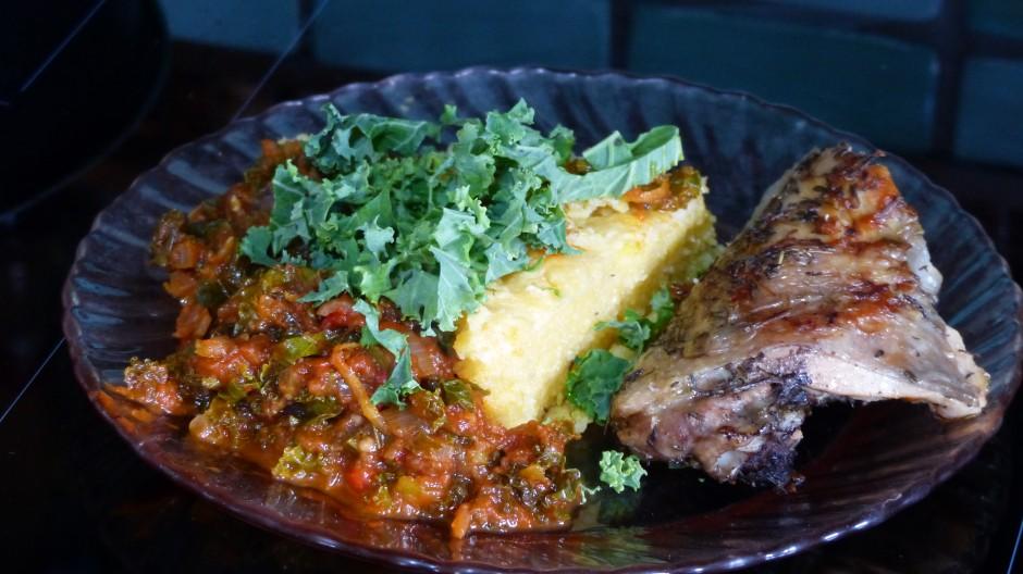 Gratin de polenta et sauce tomate au chou kale