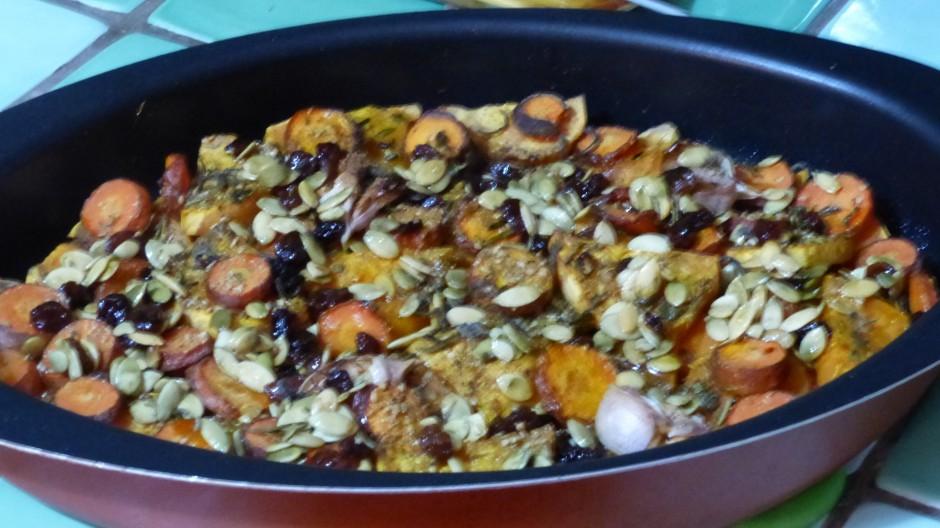 Légumes rôtis au four et graines caramélisées