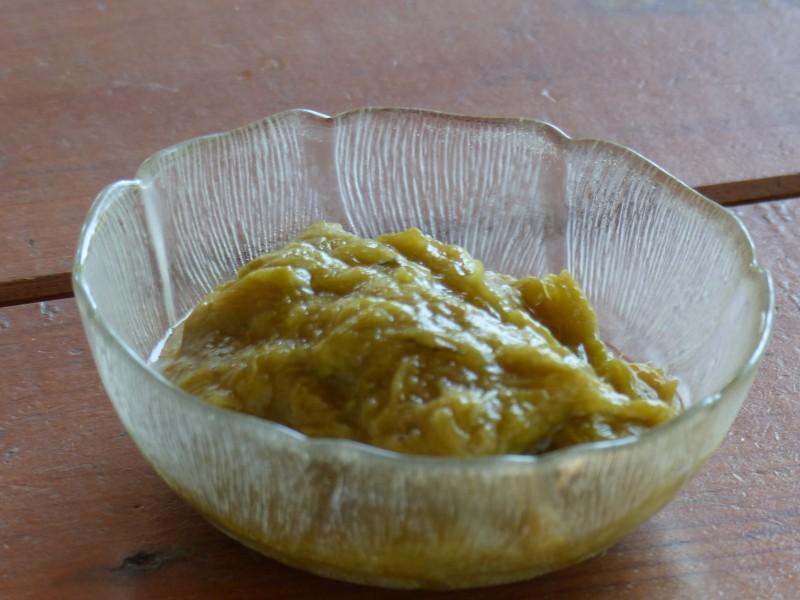 Compote de rhubarbe à la menthe
