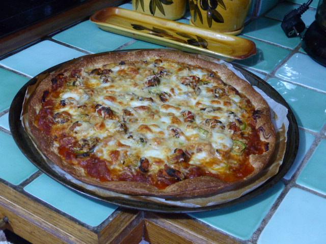 Pizza à la ratatouille et aux moules