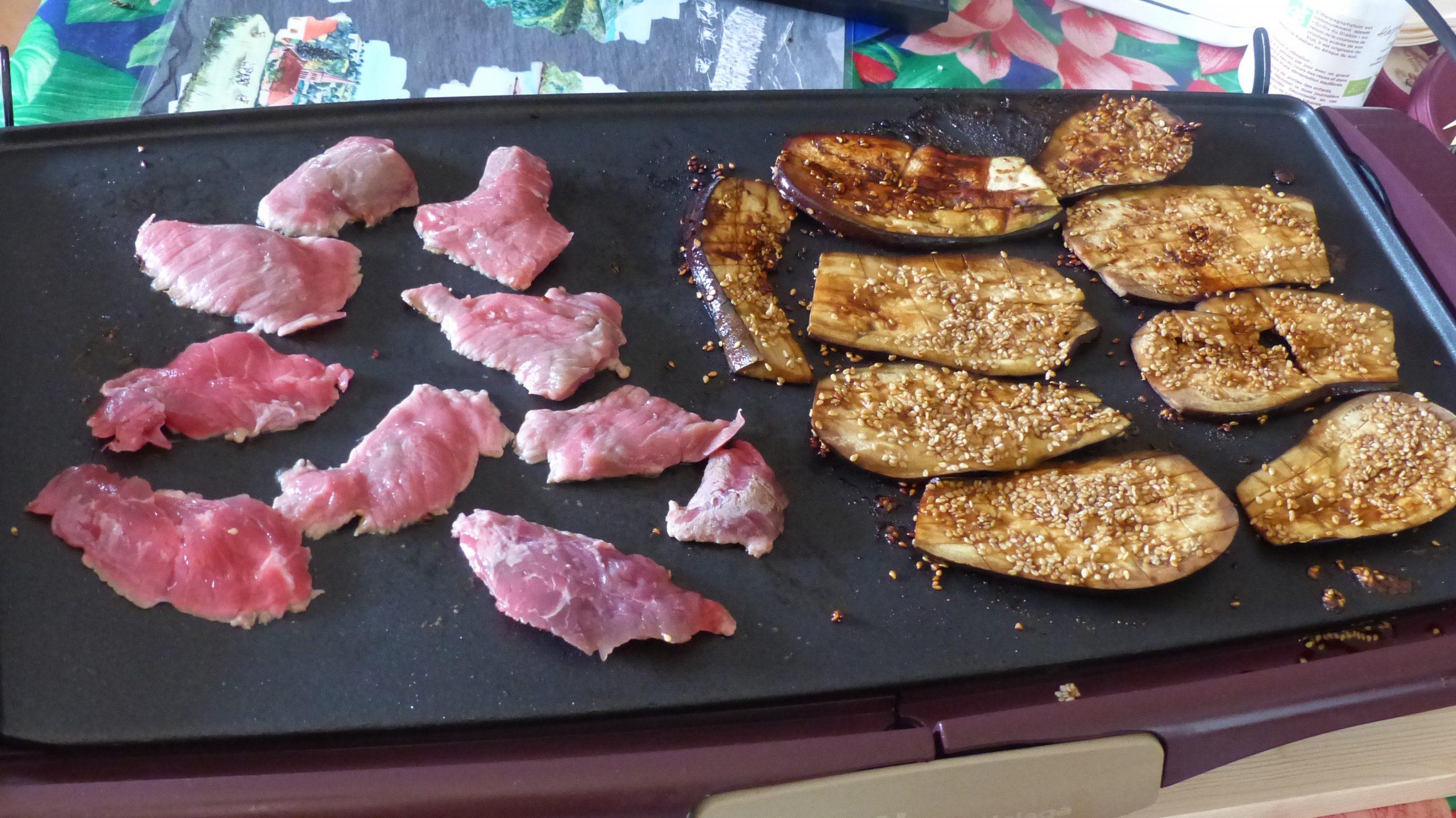Plancha de bœuf avec aubergines grillées
